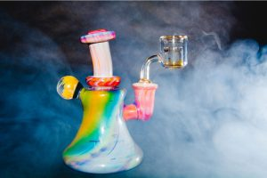 How to Smoke Dabs the Safest Way