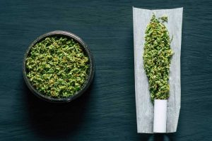 How to Use a Weed Grinder