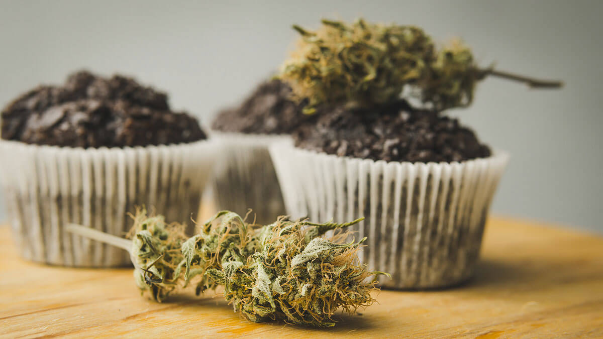 Edibles vs Smoking: Which is More Satisfying?