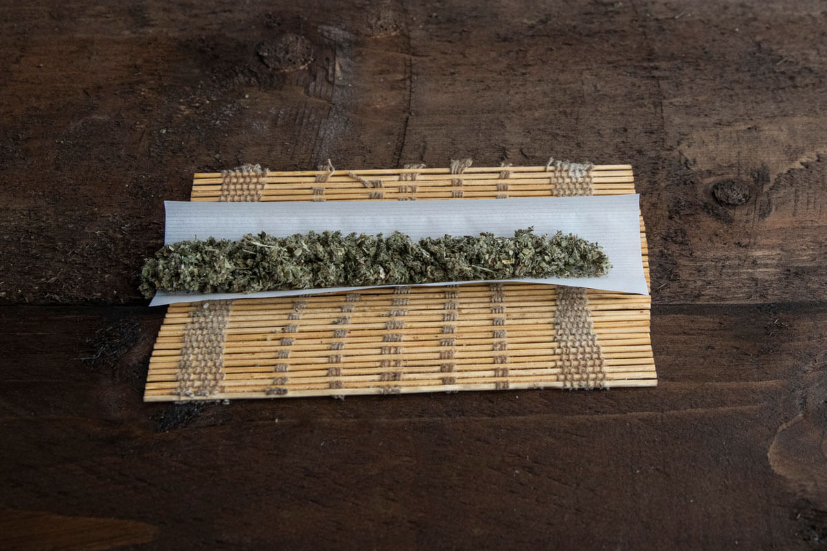 Rolling Paper Alternatives: Creative Ideas for Weed Smokers